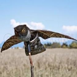 Búho eólico espantapájaros efecto vuelo